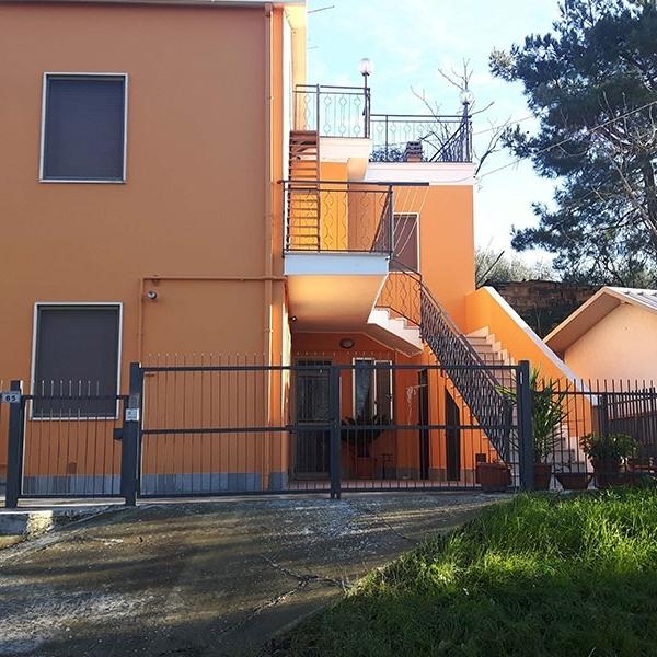 Porzione di casa singola a Caprara - PE