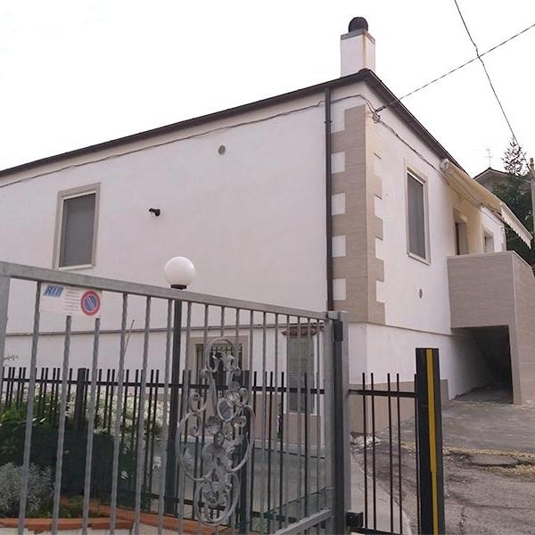 Villetta con entrata indipendente in Via Tirino - Zona Nuovo Tribunale Pescara